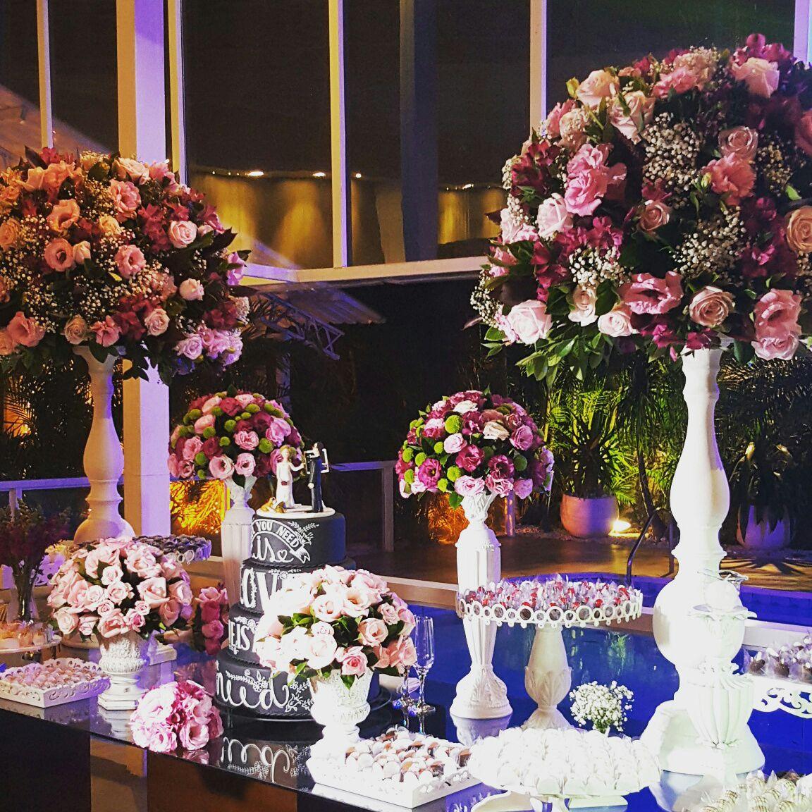 tutti-flora-luane-rafael-mesa-doces-decoracao-flores-casamento-convencao-boho-eventos-producao-buque-noiva-debutante.jpg