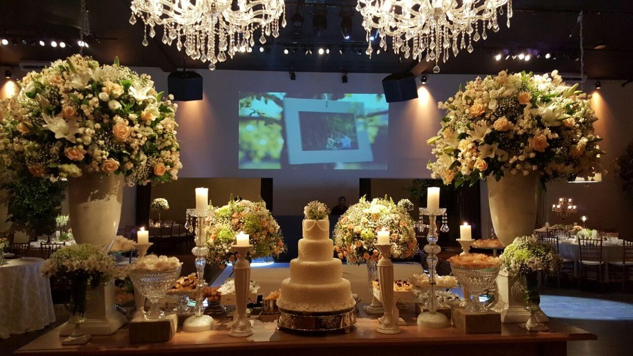 tutti-flora-mesa-bolo-doces-espaco-quatrocentos-noiva-decoracao-flores-casamento-convencao-boho-eventos-producao-buque-noiva-debutante