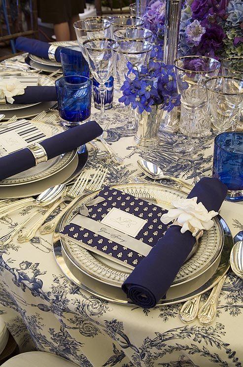 casamento-decoracao-azul-branco-guardanapo-flores-convencao-boho-eventos-producao-buque-noiva