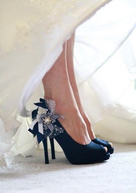 casamento-marsala-decoracao-sapato-noiva-flores-convencao-boho-eventos-producao-buque-noiva