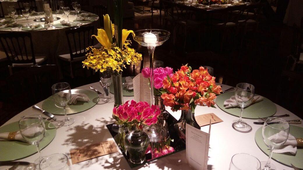 decoracao-flores-casamento-convencao-boho-eventos-producao-buque-noiva-debutante-arranjo-mesa-colorido