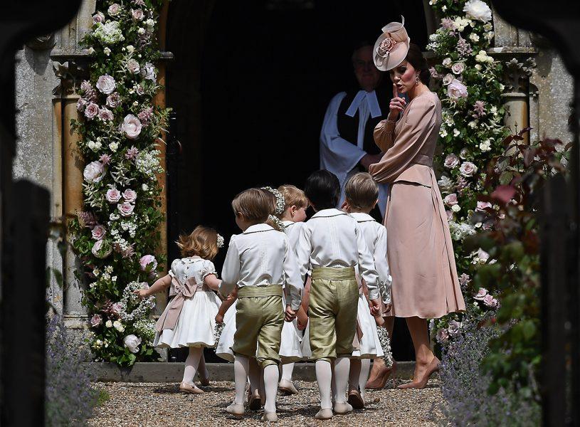 tutti-flora-casamento-pippa-middleton-cortejo-kate-criancas-daminha-pajem