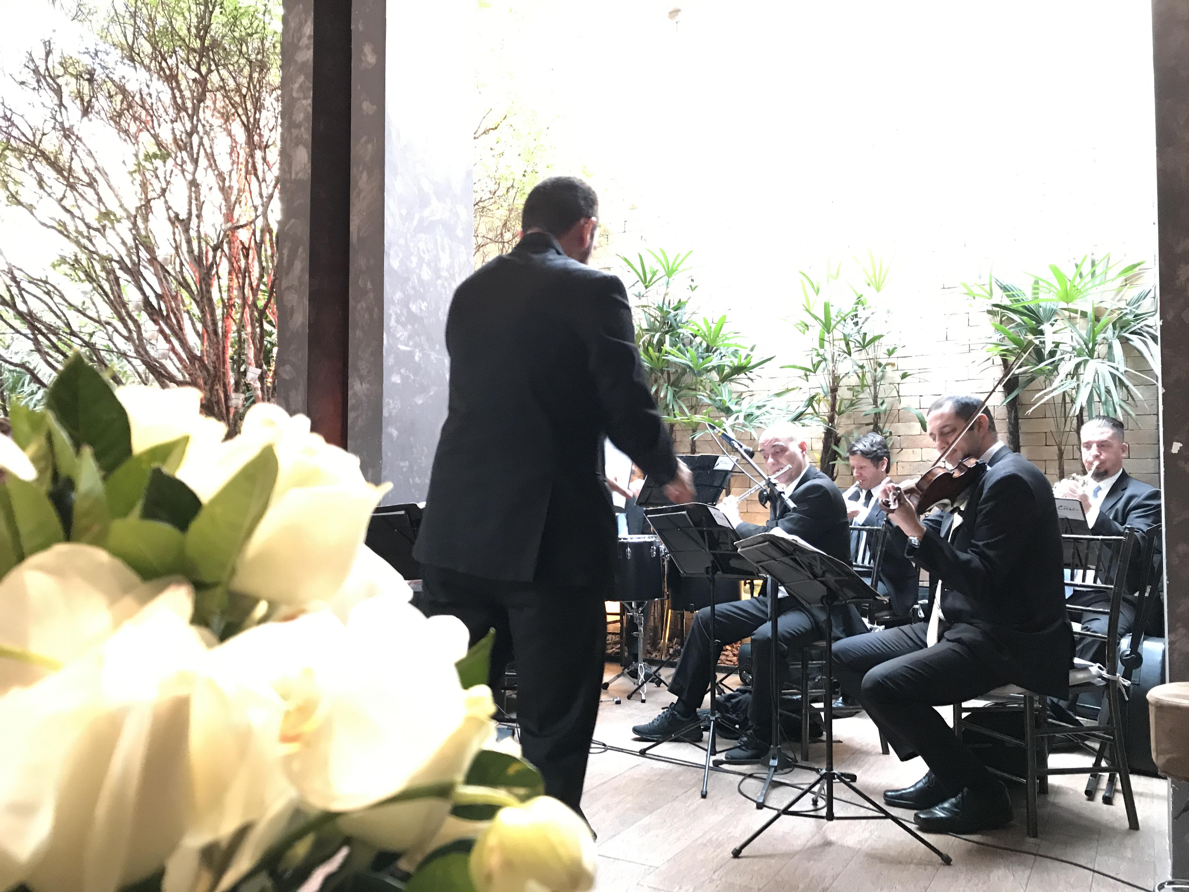 tutti-flora-decoracao-flores-casamento-convencao-boho-eventos-producao-buque-noiva-debutante-coral-orquestra-delchiaro